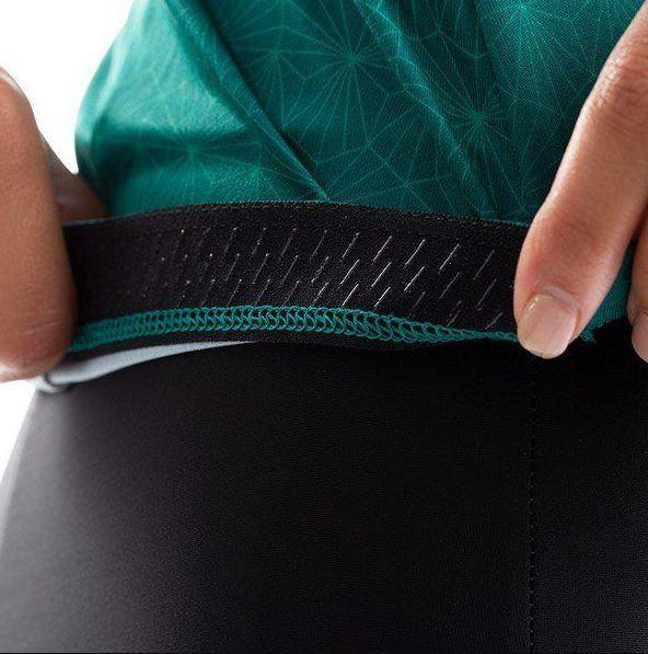 2021-08-21 22_52_23-Women's Attack Jersey, Alpine Green_Malachite Deco, Size S